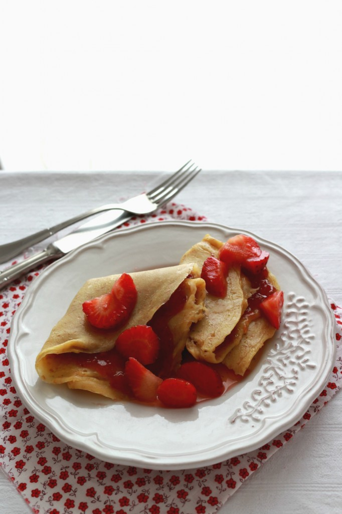 Crepes semi integrali con composta di fragole