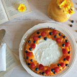 crostata morbida con yogurt e frutta